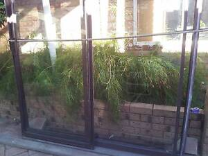 aluminum glass sliding door in frame Warnbro Rockingham Area Preview