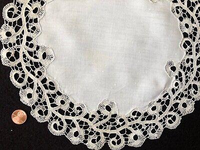 Vintage Cantu bobbin lace round doily centerpiece