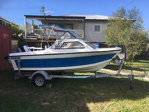 15ft fibreglass runabout. Queensland hull. Mount Nelson Hobart City Preview