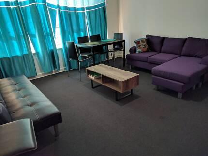Cheap Room in Heart of St Kilda for a Veggo!