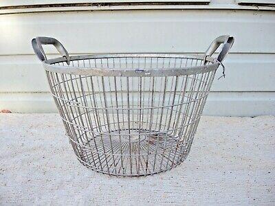 Vintage  Metal Wire Apple Picking  Basket   (136)