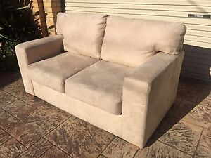 2.5 SEATER SUEDE AUSTRALIAN MADE MODERN SOFA / COUCH - CAFE GUSTO Brighton Bayside Area Preview