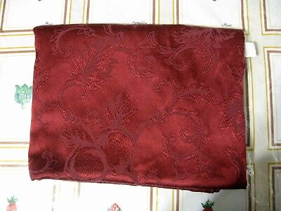 """LINEN 'N THINGS Red Oblong Table Cloth! Sz 84"""" x 64""""!"""