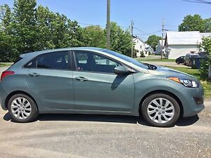 2013 Hyundai Elantra GT manual; includes winter tires