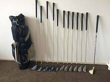 Ladies right-hand golf set with bag and buggy Junction Village Casey Area Preview