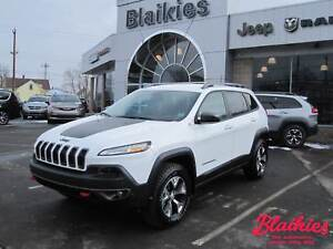 2017 Jeep Cherokee T Trailhawk   4x4   CLEAROUT! SAVE $$$  