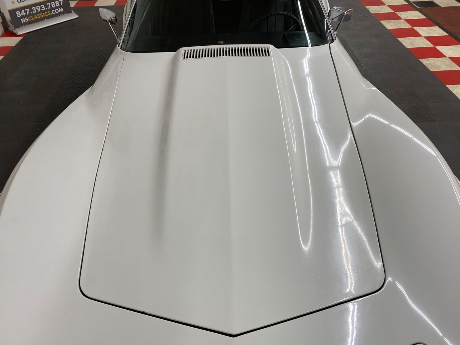 1975 White Chevrolet Corvette   | C3 Corvette Photo 10