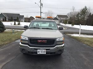 2003 GMC Sierra *WORK TRUCK* 8ft box