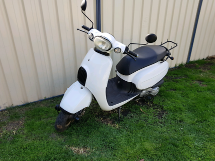 Sachs Amici 125cc 2011 model scooter