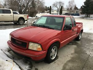 GMC Sonoma 1998 Low Km's Great Condition!