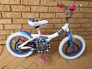 Girls bike ready to ride... Ocean Reef Joondalup Area Preview