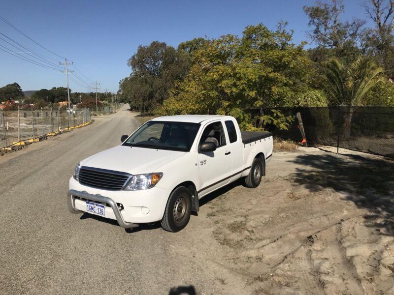 d6f92c530d 2008 Toyota Hilux crew Cab ute 4.0 V6