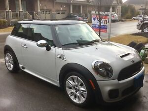 2010 Mini Cooper S - Only 25900 Kms