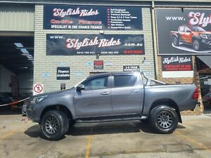 2016 Toyota Hilux SR5 (4x4) REAL HEAD TURNER ! $49990 or finance from $144pw