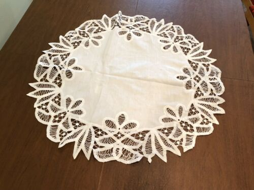 Antique Edwardian Linen Handmade Battenburg Lace Round Doily Table Runner