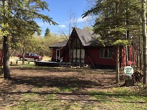 Cozy Cabin with beach access Lac Ste Anne-Reduced