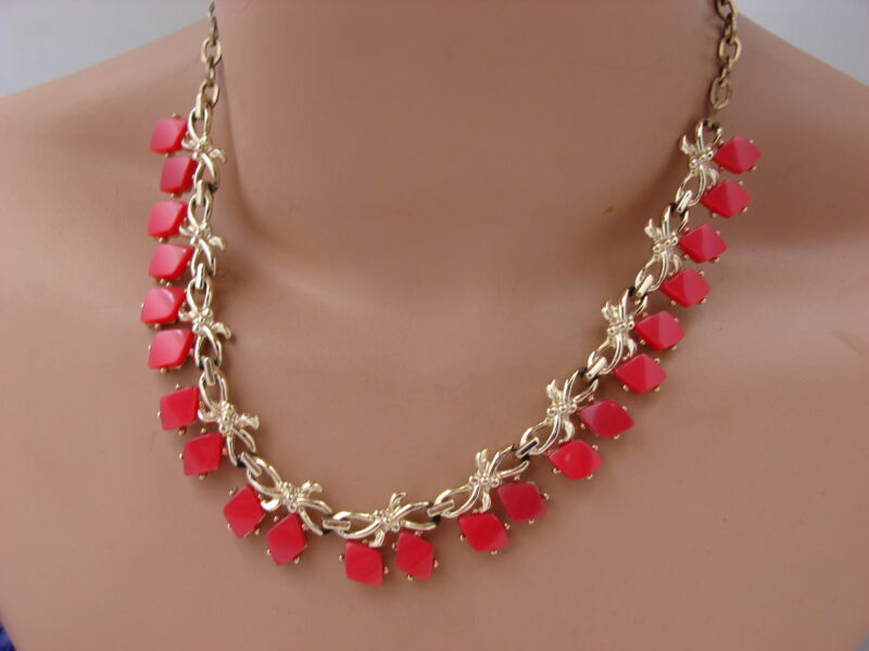 Vintage Red Opalescent Moon Glow Thermoset Lucite Gold Tone Bow Knot Necklace