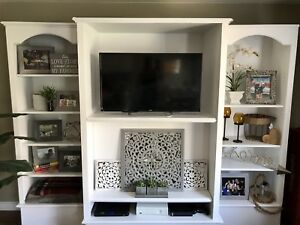 Beautiful TV/Entertainment Unit