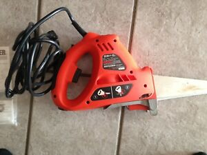 Powered hand saw/jigsaw