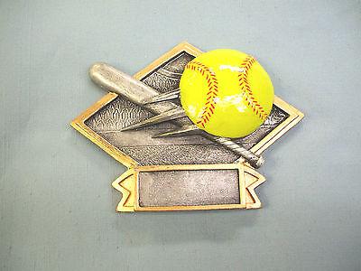 DPS77 Softball female player yellow resin diamond plaque trophy 4 X 6 ()