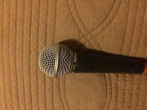 Shure SM 58 Dynamic vocal microphone