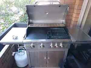 4 burner BBQ with additional side burner great condition Wollstonecraft North Sydney Area Preview