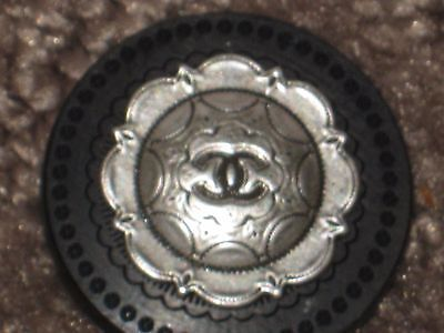 CHANEL  SILVER  METAL CC LOGO FRONT black  WOODSY  BUTTON  22 MM NEW