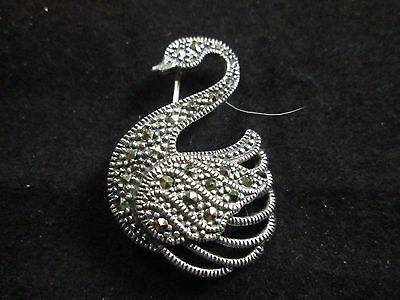 VINTAGE STERLING SILVER AND MARCASITE SWAN PIN