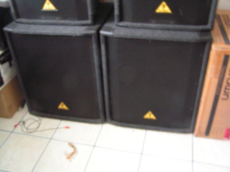 behringer subs eurolive  b1800x dj subwoofers
