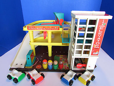 Vintage Fisher Price Little People Play Family Garage Parking Ramp COMPLETE