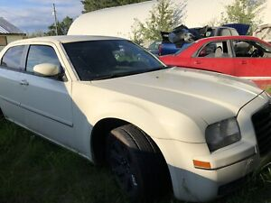**Only $4000 for a great 2004 Chrysler 300 for SALE!!!**