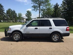 2007 Ford Expedition pushbar and spot light 4X4