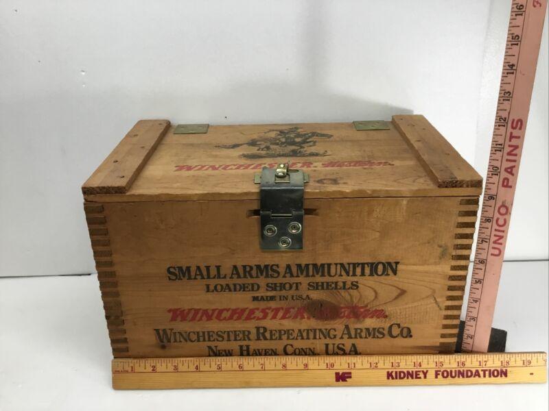 Winchester Repeater 12 Gauge 3 in Shotgun-Wooden Ammunition Box-Empty w Lid