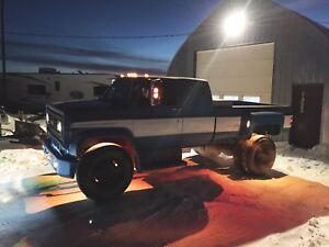 Last chance before winter!1980 Chevy c6000 custom dually pick up
