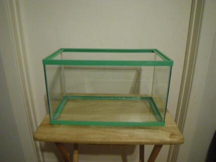 17 LITRE AQUARIUM GLASS HOUSE FISH TANK PET HOUSE PLANT TERRARIUM Maribyrnong Maribyrnong Area Preview