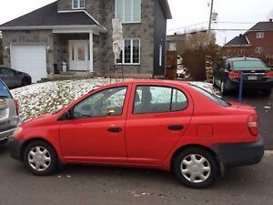 Toyota écho 2001 NÉGOCIABLE
