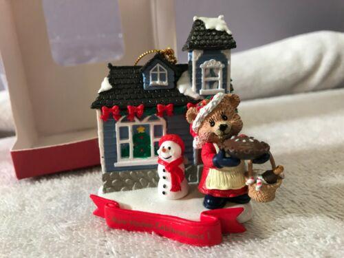 Christmas ornament ceramic house snowman & bear New Home EX2909