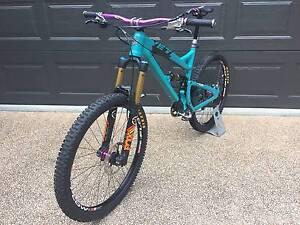 2014 Yeti SB66 Alloy/Carbon Bonogin Gold Coast South Preview