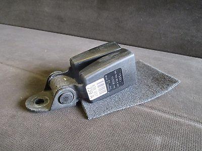 Audi TT TTS 2007-10 Rear Centre Seat Belt Latch Buckle 8J8 857 739A 8J8857739A