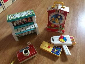LOT DE JOUETS FISHER-PRICE REPRODUCTION VINTAGE