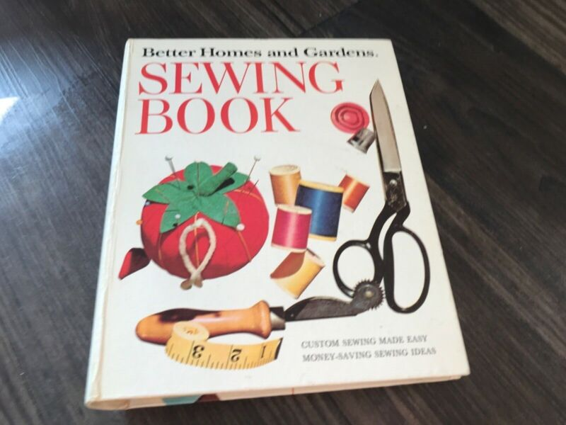 Better Homes and Gardens Sewing Book Vtg 1970 Three ring binder