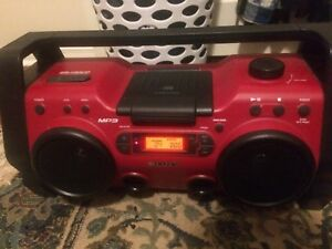 Vintage Sony Boombox Cd Player Radio MP3