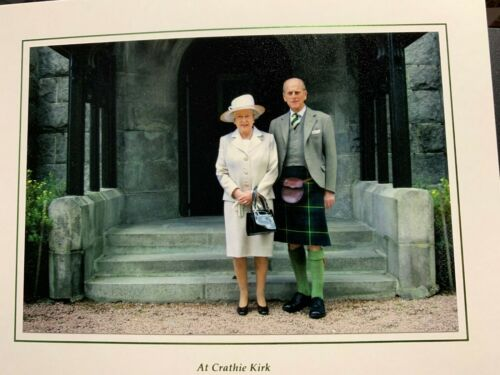 QUEEN ELIZABETH II       PRINCE PHILIP - mint CHRISTMAS CARD -  2008  signed