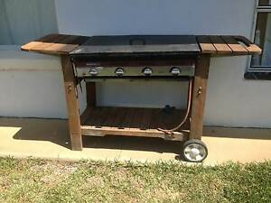 Beefeater 4 Burner BBQ Moree Moree Plains Preview
