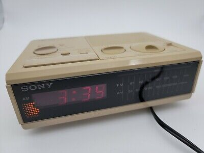Sony Dream Machine ICF-C2W Digital Alarm Clock AM/FM Radio Tested/Working Beige