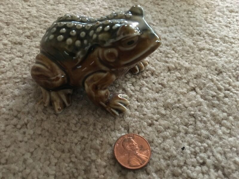 Decorative Collectible Ceramic Frog