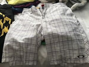 Men's golf shorts like new , oakley and Nike