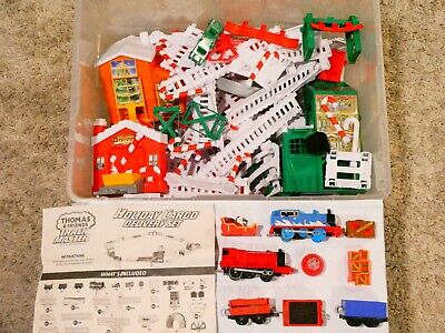 Thomas TrackMaster Christmas Track Holiday Cargo Delivery Motorized Train Set