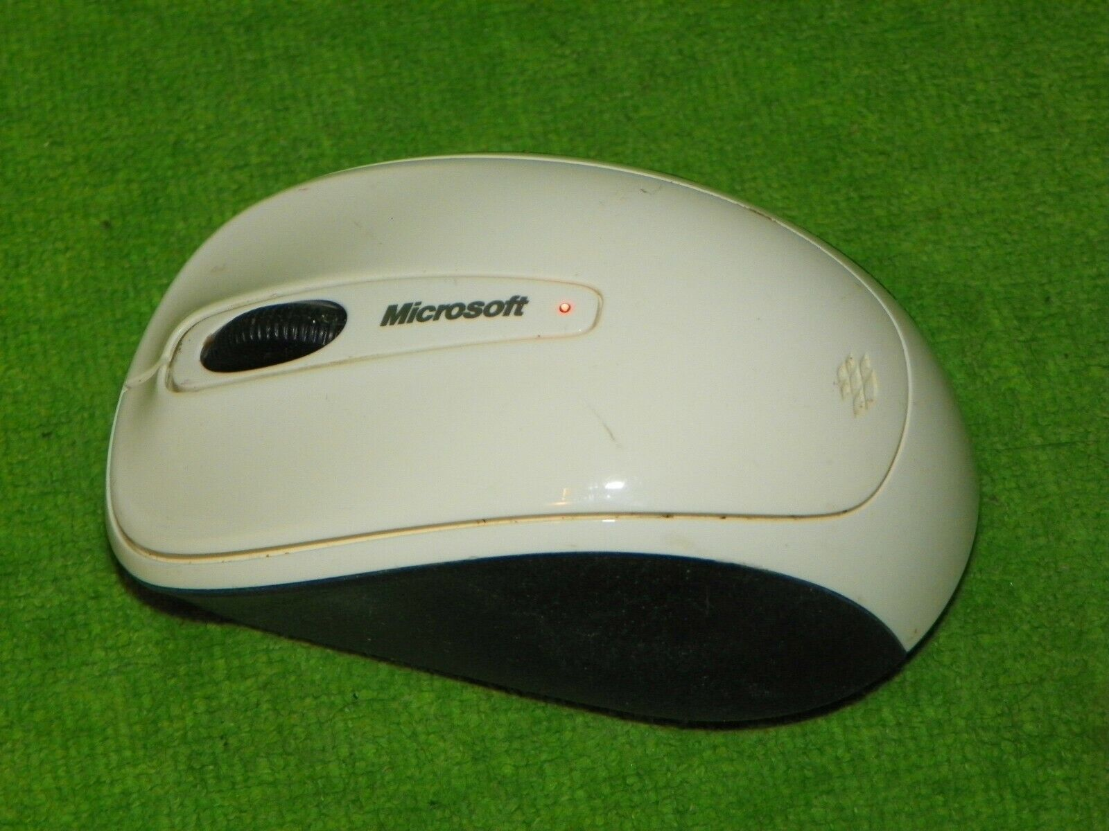 Genuine OEM Original Microsoft Wireless Mobile Mouse 3500 - White Black - $6.99