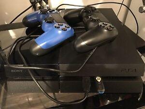 PS4 500GB NOIR + JEUX NÉGO